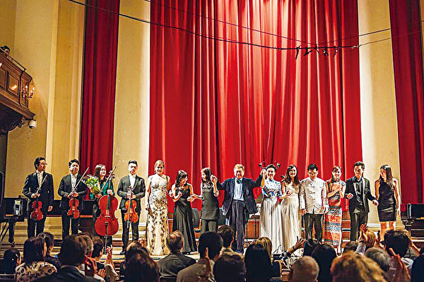 """一场中西乐的盛宴——专访""""歌剧之父""""卢景文"""