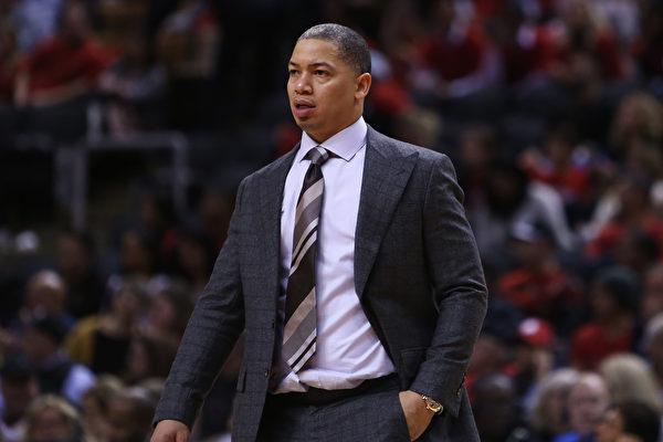 NBA新賽季下課第一人——騎士主帥泰倫盧