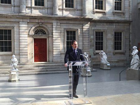 大都会博物馆首席执行官霍雷恩宣布,美洲原住民艺术展将在4日开展。