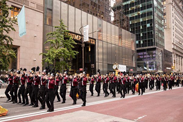 纽约哥伦布日大游行(Columbus Day Parade)是世界上最大的意大利美国文化的庆典之一,纪念哥伦布在1492年首次登上北美;同时展现意大利裔美国人和社区的传统文化。(戴兵/大纪元)