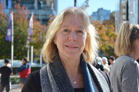 2018年10月17日溫哥華反對大麻合法化集會組織者帕米拉•麥考(Pamela McColl)。(余天白/大紀元)