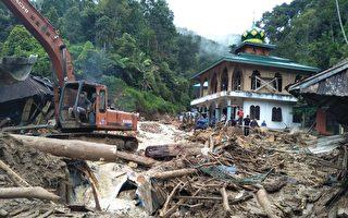印尼天灾不断 洪水泥石流致二十多人遇难