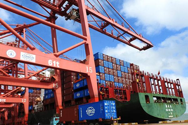 """中美未来或将在产业链、投资及技术等多个领域脱钩,形成""""经济版""""的新冷战。(AFP)"""