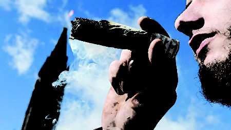 加拿大旅遊公司推出大麻遊