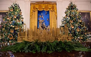 组图:美国第一夫人展示白宫内部圣诞装饰