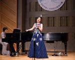 华人观众赞声乐大赛用传统唱法唱中文歌