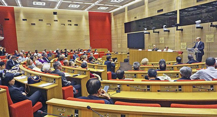 """11月16日周五,""""纪念《世界人权宣言》70周年""""研讨会在法国参议院内的Medicis大厅举行。图为会议现场。(章乐/大纪元)"""