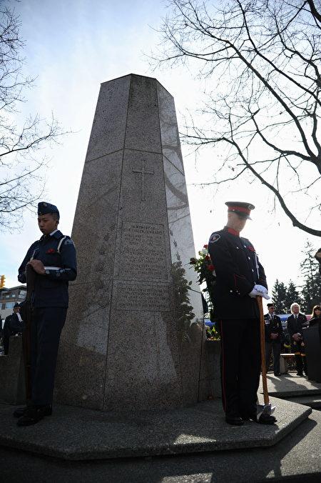 11月11日,本拿比市在南部青年活动中心举行荣军日纪念活动,缅怀为国捐躯的加拿大将士。