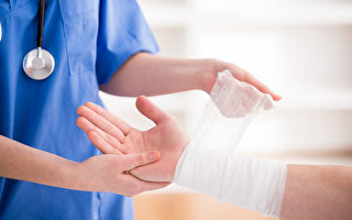 男子手指复位仍疼痛 医:最佳治疗是职能治疗