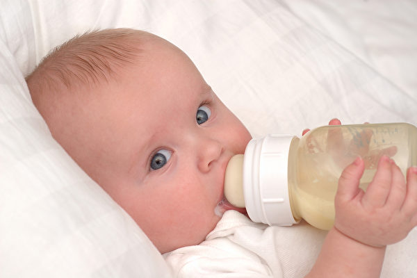 寶寶1歲前攝取蛋黃等食物 可降低過敏風險