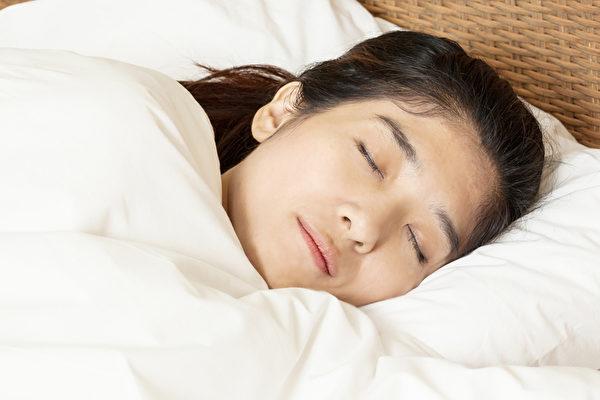 這五種方法讓你告別失眠 一覺睡到天亮