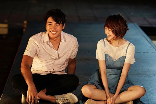 歐漢聲(左)與林明禎(右)合演電影的第一場戲是感情戲