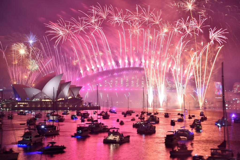 煙花璀璨天際  悉尼率先迎接2019年
