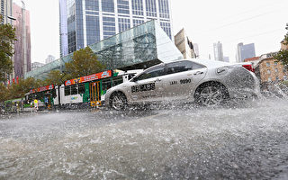 墨尔本强降雨导致水灾