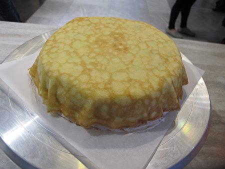 手作完成的塔吉特千层蛋糕。