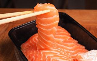 吃生鱼类可能引发中华肝吸虫感染,能导致肝硬化、 胆管癌等疾病。