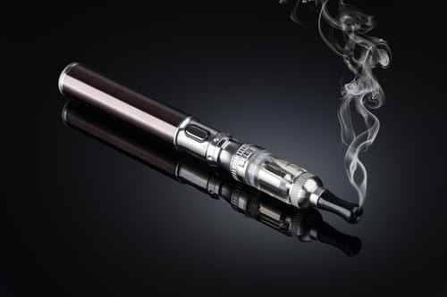 電子菸及鋰離子電池。