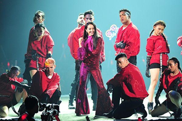 蔡依林于5日初登《2019超级巨星红白艺能大赏》