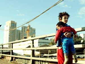 12岁的童星赞恩‧阿勒费亚在《我想有个家》演技惊人