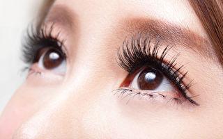 眼內出現點狀或網狀等漂浮物屬「飛蚊症」
