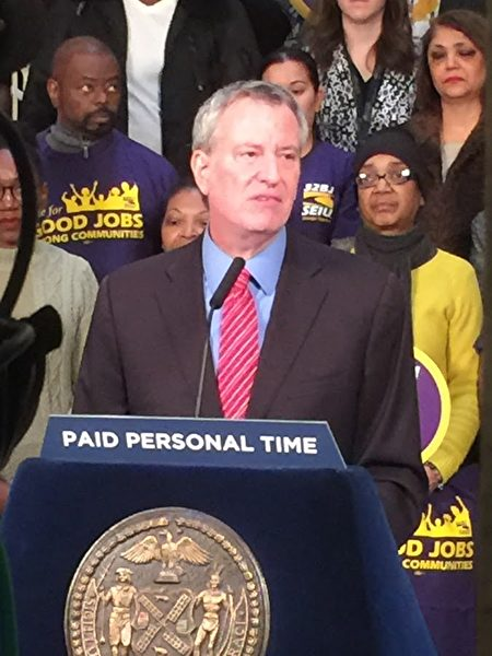 白思豪说纽约市要在带薪假方面开全美先河。