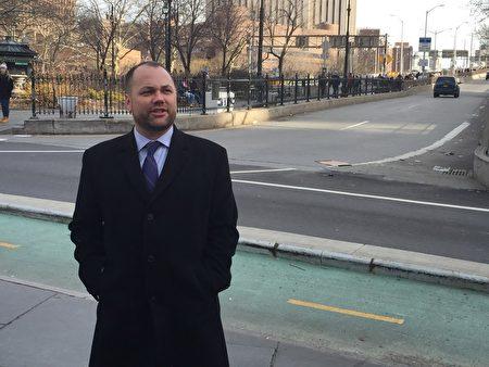市议会议长张晟向媒体宣布他考虑竞选下一届纽约市长。