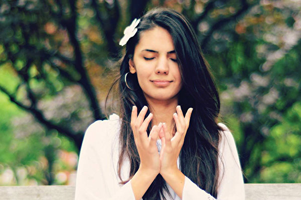 伊朗姑娘嘉扎尔‧塔瓦纳艾(1) 不一样的人生