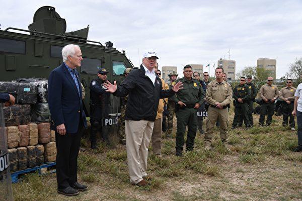 川普赴美墨邊境 聽取邊境人員簡報和心聲