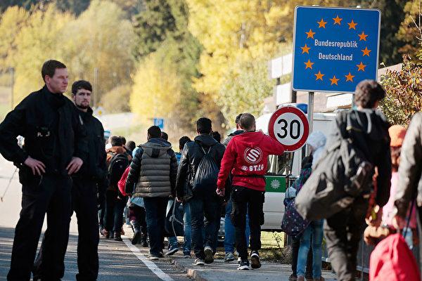 尽管奖金鼓励 德国难民自愿离境者减少