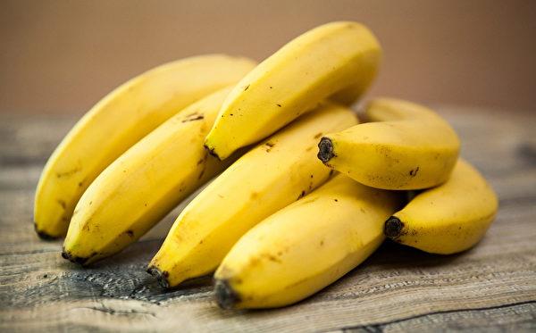 香蕉含豐富的水溶性纖維及少許的脂肪,能潤滑腸道。