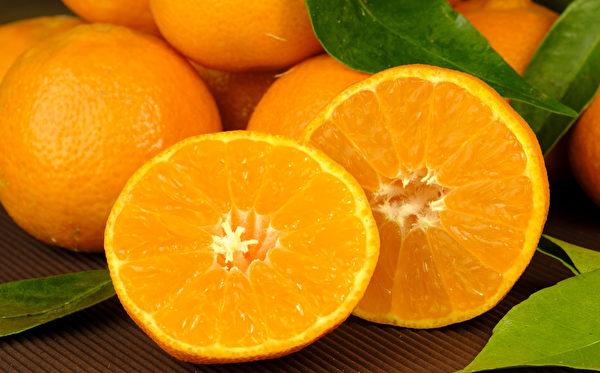 柳橙中的橙皮苷是强大的抗氧化剂,可以去除自由基,保护肠道。