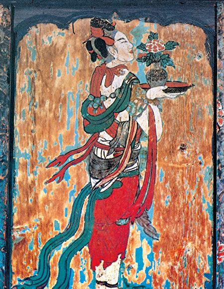 图为辽代寺观壁画供养天女,山西应县佛宫寺释迦塔底层内槽门楣东格外侧。(公有领域)