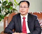 原中共中央政治局常委、中纪委书记尉健行的撰稿人王友群博士