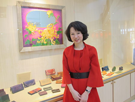 """江沛瑜结合生活与艺术的作品:时钟镜""""绽放""""。"""