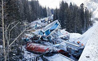 2月4日凌晨,一列加拿大太平洋鐵路有限公司火車在卑詩省菲爾德(Field)附近脫軌。(加通社)