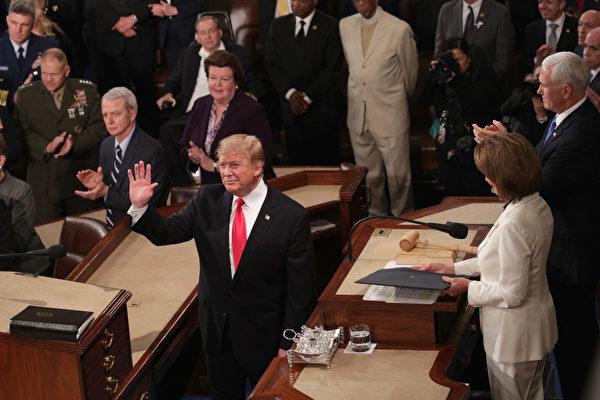 美东时间2月5日晚9点,美国总统川普(特朗普)发表了他任期内第二个国情咨文演讲。(Alex Wong/Getty Images)