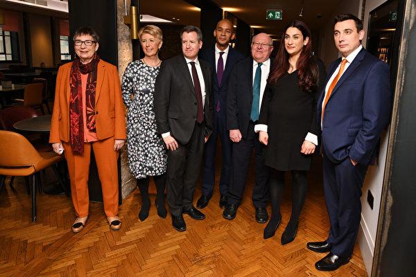 英國工黨內部分裂 七名國會議員公開退黨