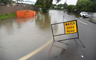 暴雨袭击公路 昆州宣布汤斯维尔为洪灾区