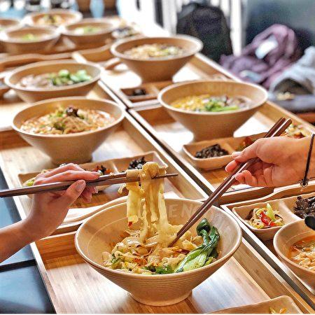 温哥华百老汇的一面馆,营养健康的一碗好面,令人赞赏!