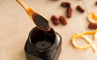 古代中医的外伤膏药,有直接促进伤口愈合、化腐生肌、化淤止痛等功效。
