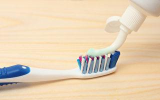 保持牙齿清洁,刷牙频率和正确的刷牙方法很重要。