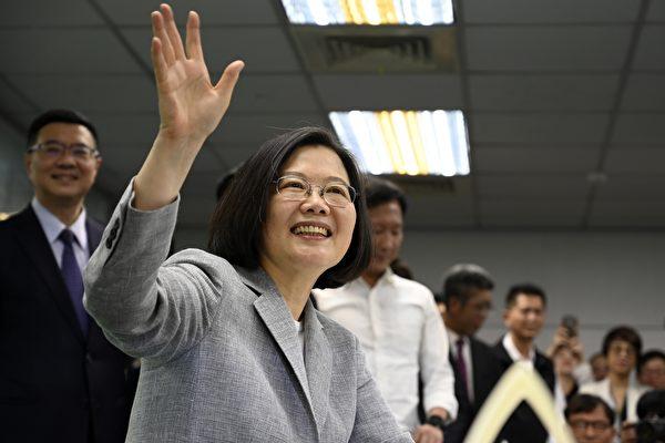 周三(3月27日),中华民国总统蔡英文(如图)表示,美国正在积极回应台湾军购要求,以加强台湾面对中共压力的防御能力。