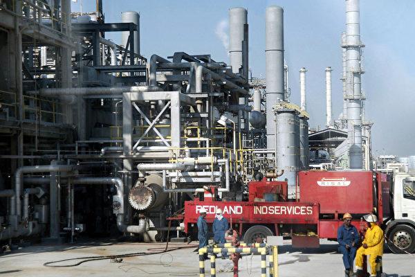 國際能源總署預估,美國有望在2024年前取代沙特阿拉伯(Saudi Arabia)成為世界最大原油出口國。(Bilal Qabalan/AFP/Getty Images)