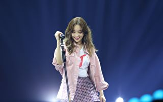 太妍新作摘8榜冠军 首尔开唱众星为她加油