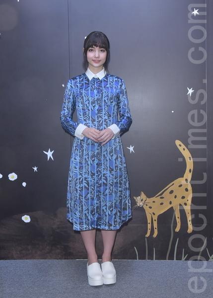 黑嘉嘉出席设计师詹朴春季期间限定店开幕