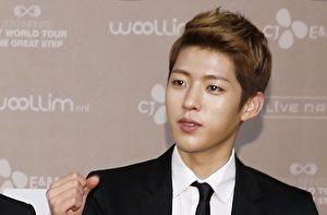 韩国男团INFINITE成员李成烈资料照。(Starnews/AFP/Getty Images)