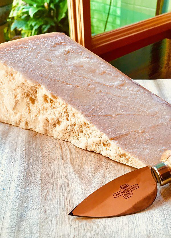 【舞动味蕾】意大利经典的朴实美味Pasta al Burro e Parmigiano