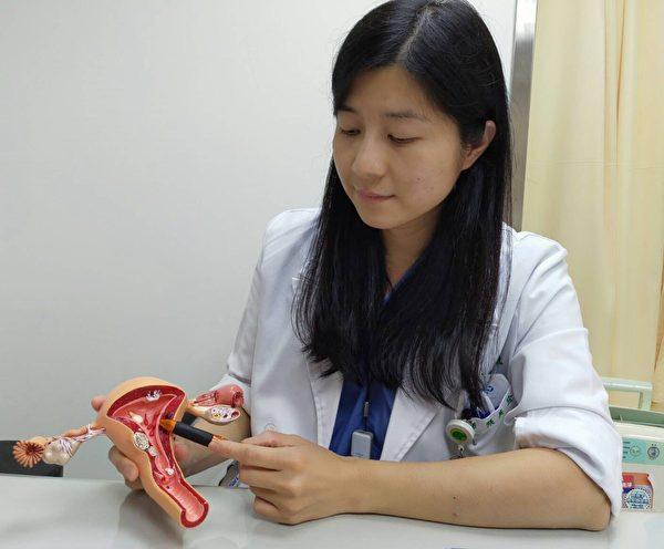 子宮肌瘤太大或壓迫子宮腔,常見的症狀包括血塊增加或月經量過多導致貧血。(國泰醫院提供)