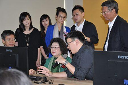 教育部政務次長范巽綠體驗A/VR相關課程。