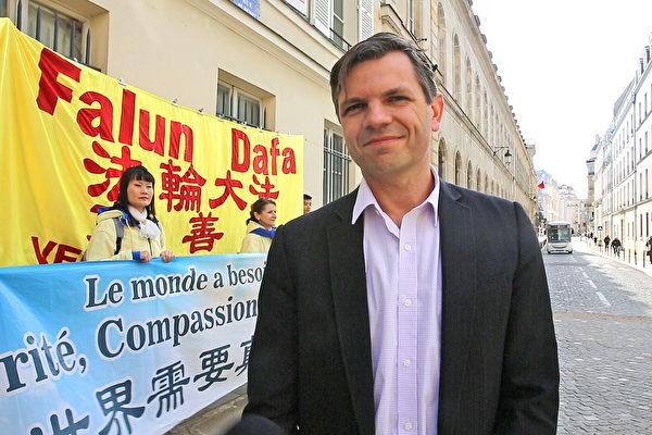 法輪大法協會的代理律師Alexandre Gabard(關宇寧/大紀元)